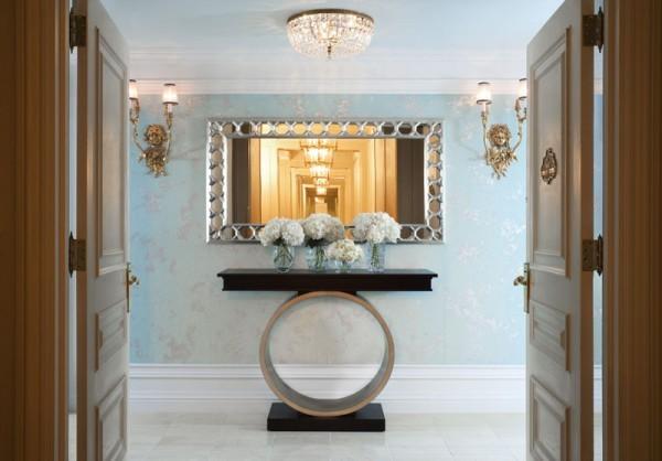decoração de hall de entrada com espelho