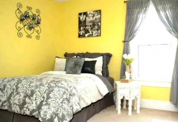 quarto de casal decorado em amarelo